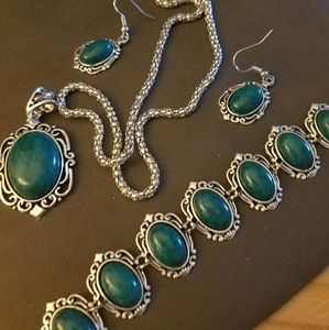 Jewelry - 3 Piece Faux Blue Green Turquoise Set